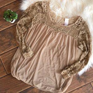 Three quarter Lace sleeve Blouse